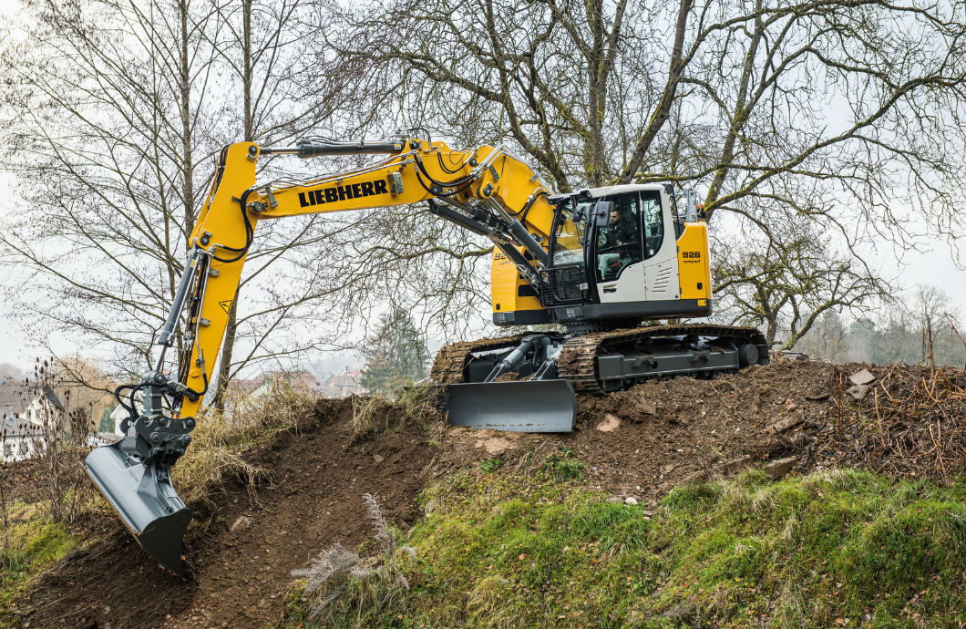Liebherr Presents the Versatile R926 Compact Excavator | My Little