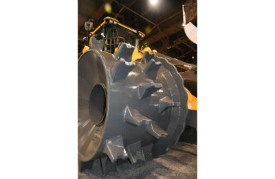 Volvo LC450H Landfill Compactor Wheel Up Close